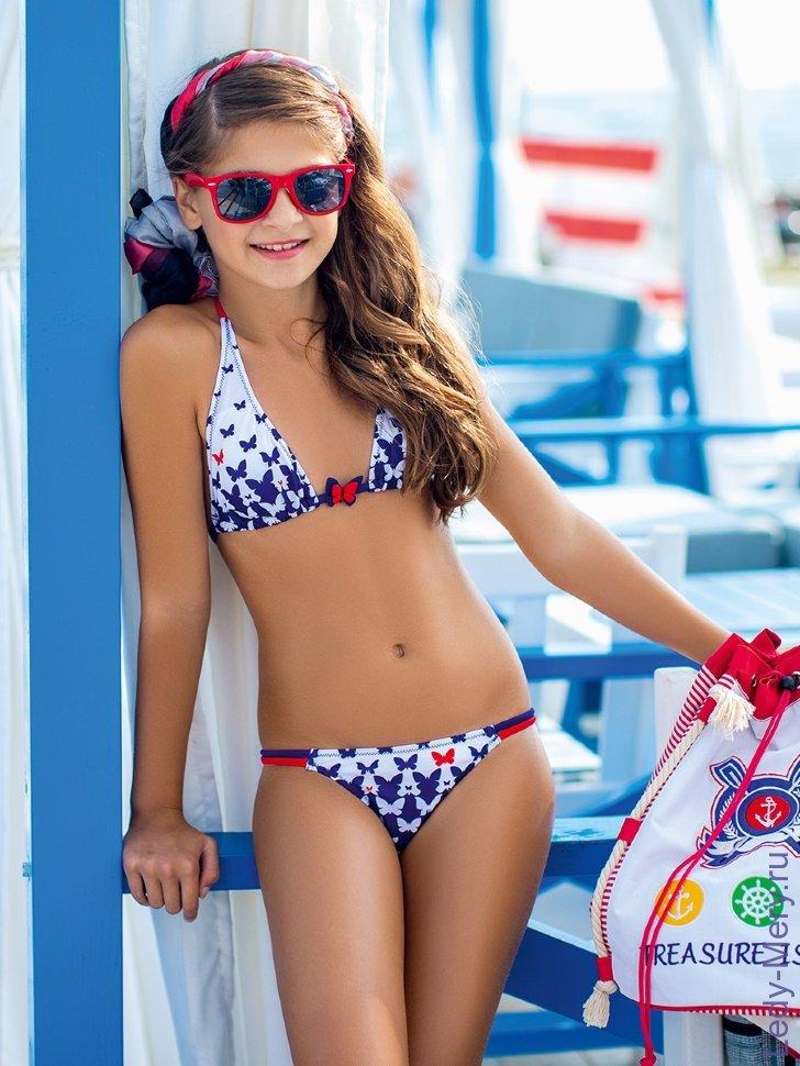 фото девачек в купальниках